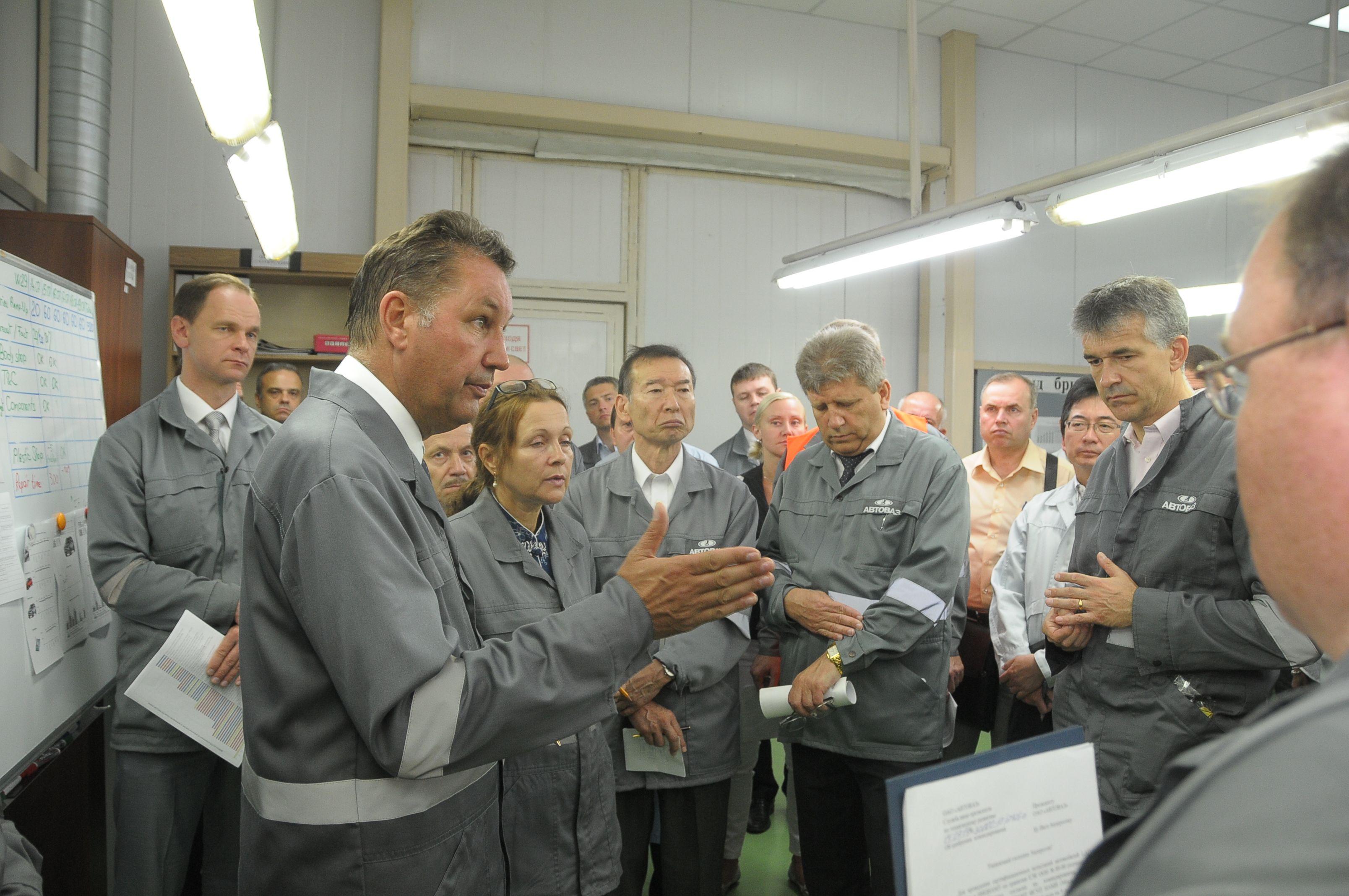 Бу андерсон посетил дилерский центр lada sport