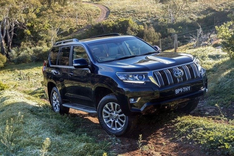 Toyota не будет выпускать Land Cruiser Prado в России
