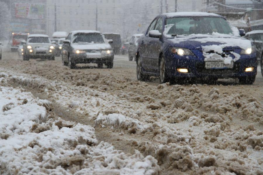 Оттепель и автомобиль: что стоит делать во избежание проблем