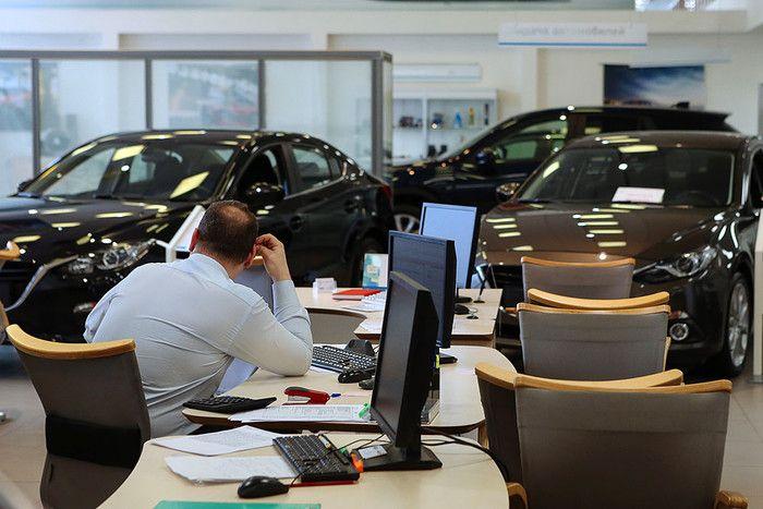 Аеб: продажи автомобилей в россии сократились на 11% за прошлый год