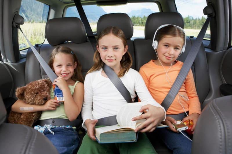 В ГИБДД намерены заставить водителей с детьми ездить медленнее