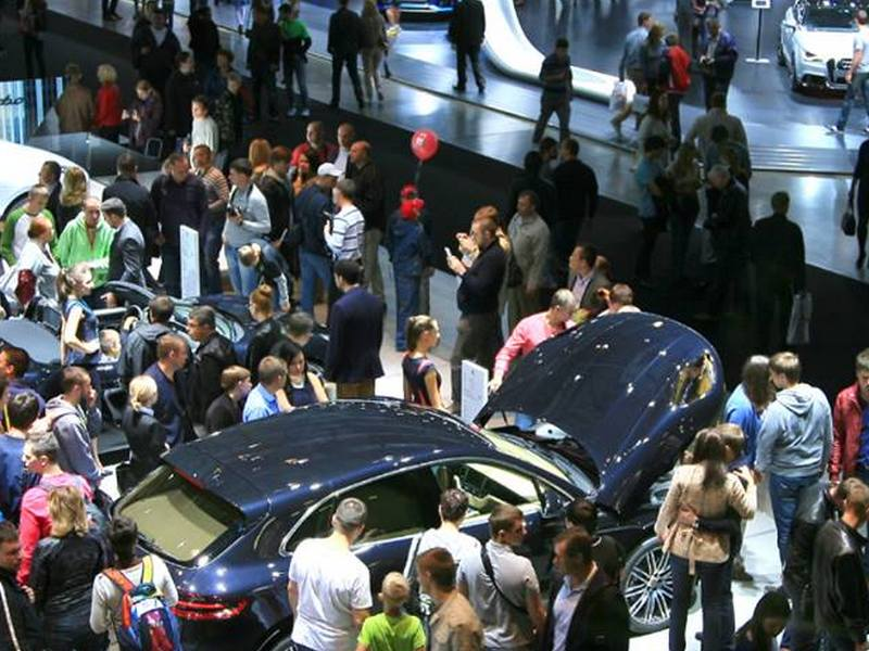 Производители начали отказываться от участия в Московском автосалоне