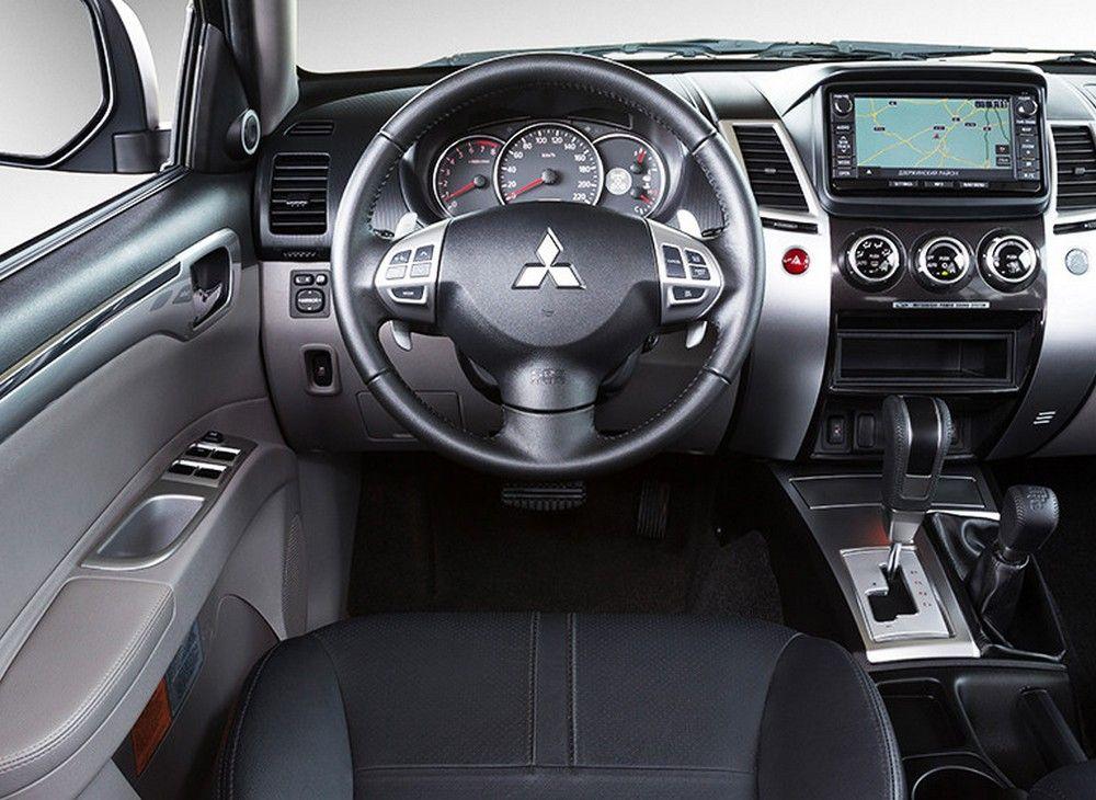 Pajero sport black interior