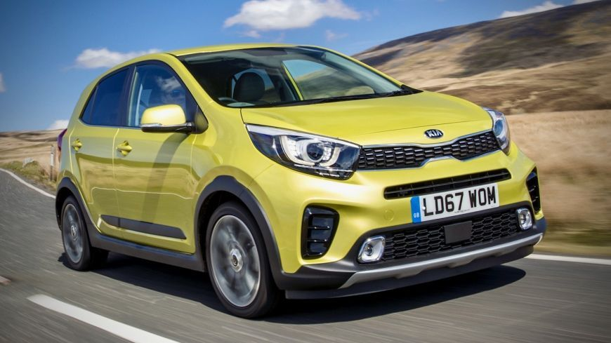 1598861263_tom-scanlan-drives-the-rather-funky-kia-picanto-125-x-line-s-17.jpeg